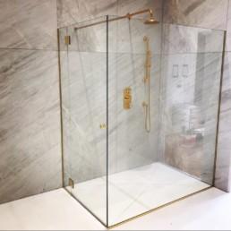 pare-douche en verre sur-mesure